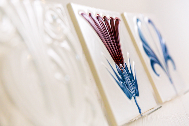 Detail Jugendstilfliese eines von Wohnwert modernisierten Badezimmers