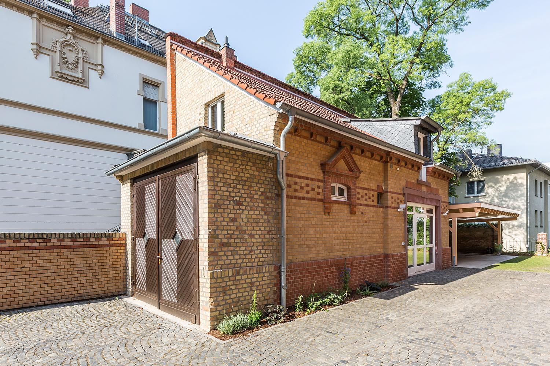 Das Kutscherhaus der von Wohnwert Innenarchitektur sanierten Villa Viktoria