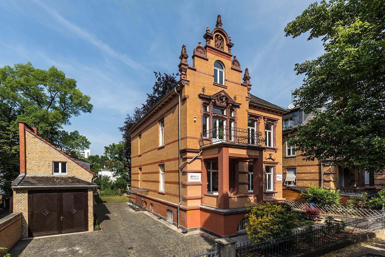 Villa Viktoria mit Kutscherhaus saniert von Wohnwert Innenarchitektur