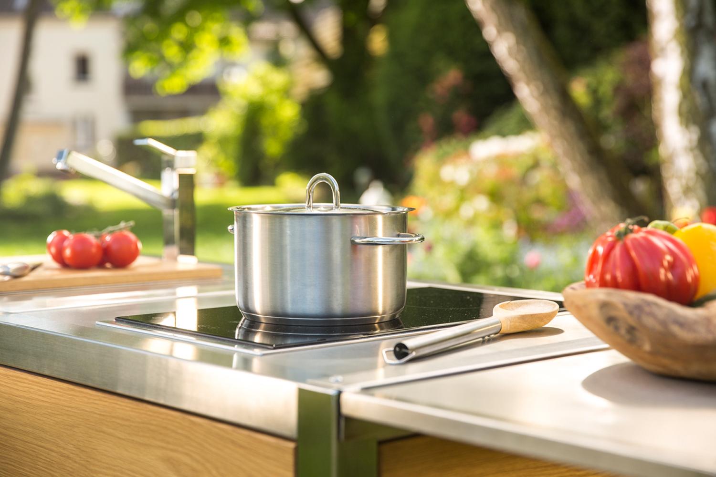 Mobile Küche Neoculina in Eiche entworfen von Wohnwert Innenarchitektur