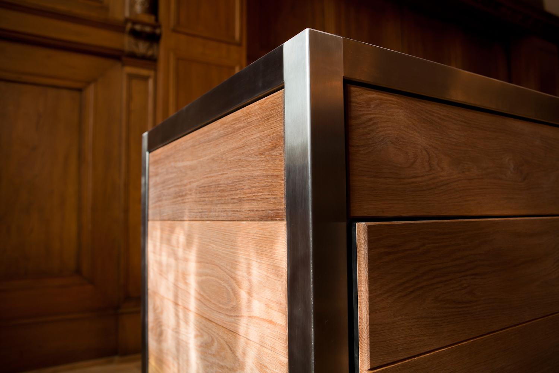 Detail einer grifflosen Tür der mobilen Küche Neoculina von Wohnwert
