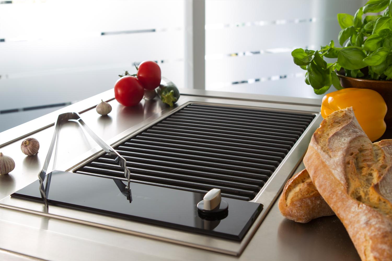 Detail der mobilen Küche Neoculina mit Grill designt von Wohnwert Innenarchitektur
