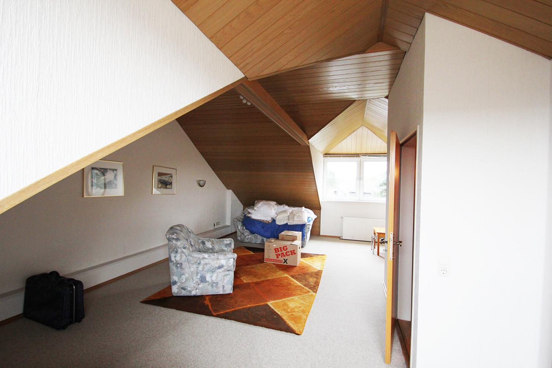 Dachgeschoss Reihenhaus vorher